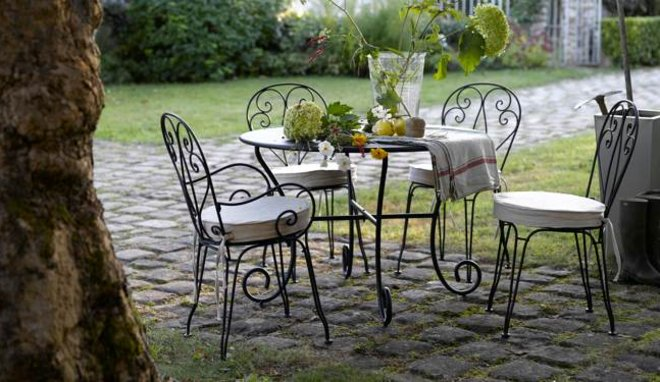 Conseils et astuces pour avoir un magnifique jardin des id es pour entretenir ses meubles de Meuble jardin metal