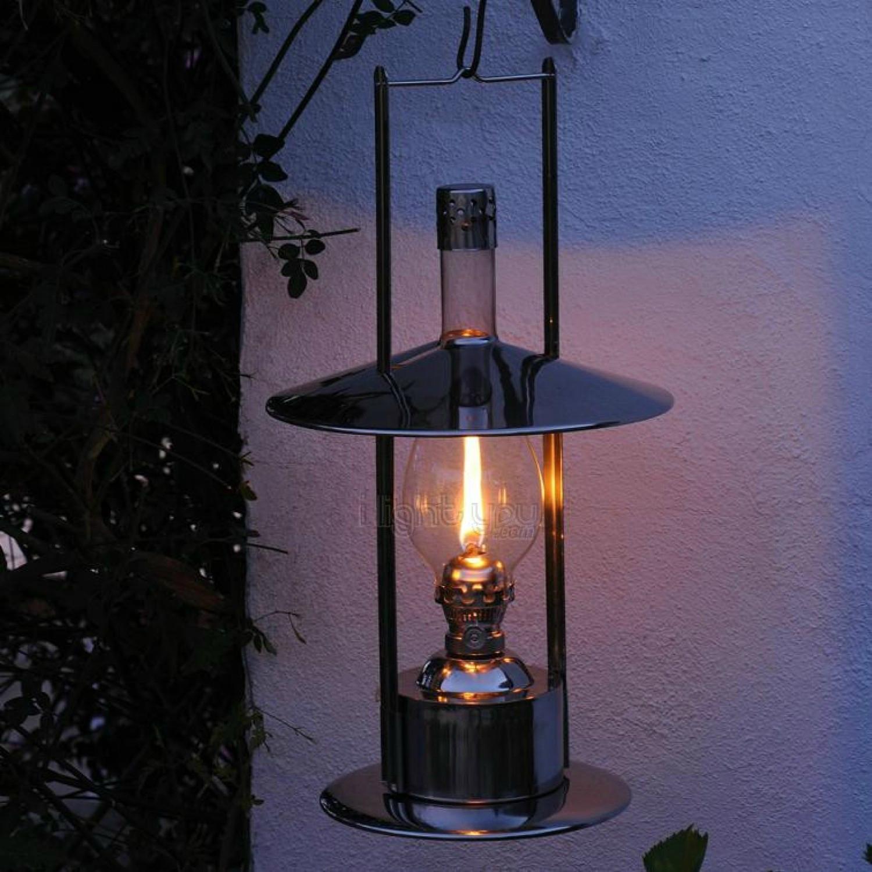 conseils et astuces pour avoir un magnifique jardin que diriez vous d une lampe p trole pour. Black Bedroom Furniture Sets. Home Design Ideas