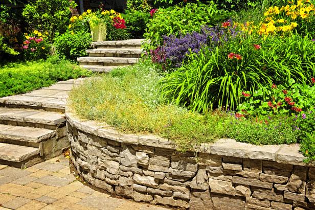 jardin-terrain-pente-content1-escalier
